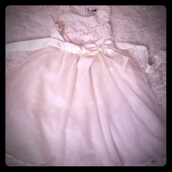 Rare Editions Other - Girls sz 12 off-white dress w/ pearl accent